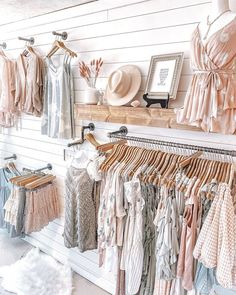 Clothing Boutique Interior, Clothing Store Design, Boutique Interior Design, Boutique Decor, Boho Boutique, Boutique Ideas, Boutique Store Displays, Boutique Stores, Clothing Displays