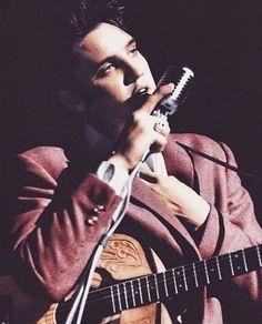 Elvis Presley, the king of Rock 'n Roll Lisa Marie Presley, Priscilla Presley, Rock And Roll, Mississippi, Elvis Tattoo, Tennessee, Young Elvis, Elvis Presley Photos, Hollywood