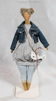 Sono felice di condividere l'ultimo arrivato nel mio negozio #etsy: Bambola TILDA HAPPY SPRING