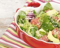 Salade détox au quinoa, avocat et pamplemousse : http://www.fourchette-et-bikini.fr/recettes/recettes-minceur/salade-detox-au-quinoa-avocat-et-pamplemousse.html