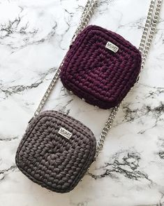 229 Likes, 41 Comments - veron Crochet t-shirt yarn Crochet bag Crochet backpack pattern inspiration / crochet bag from t-shir yarn Lots of different bag tutorial Mochila Crochet, Bag Crochet, Crochet Backpack, Crochet Shell Stitch, Crochet Clutch, Crochet Diy, Crochet Handbags, Crochet Purses, Crochet Ideas