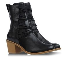 I love these boots.So comfy too! Mum on the Run | WEAR WHAT? | http://popthefashionstore.com/