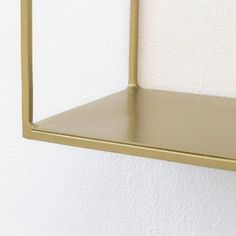 Etagère murale en métal filaire gold Uptown - GM | DECOCLICO Floor Chair, Flooring, Mirror, Console, Furniture, Home Decor, Wall Shelves, Minimalist, Light Fixture