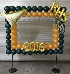 Photo booth frame of balloons