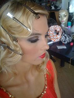 """1920s: elegant """"Great Gatsby"""" flapper girl-style finger waves hair tutorial"""