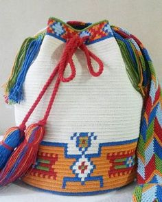 551 Likes, 25 Comments - Crochet Home, Crochet Crafts, Crochet Projects, Tapestry Bag, Tapestry Crochet, Wiggly Crochet, Mochila Crochet, Hippie Bags, Crochet Purses