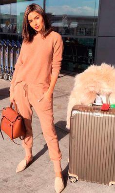 1. Mule: queridinha das it-girls e fashionistas, a mule é perfeita para um look confortável e chic, que vai desde o visual de aeroporto até aquela saia de couro com camisa que amamos, não é mesmo, Olivia Culpo?