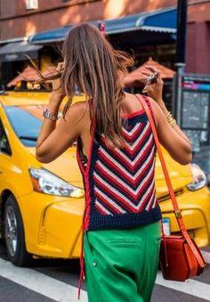 On the town Crochet Blouse, Crochet Top, Crochet Bikini, Look Fashion, Fashion Outfits, Mode Crochet, Summer Knitting, Crochet Woman, Crochet Clothes