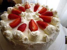 Schnelle Erdbeer - Sahne - Torte
