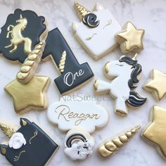 "842 Likes, 21 Comments - Natasha (@natsweets) on Instagram: ""Black & Gold Unicorns """