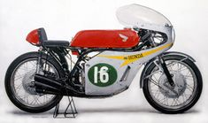 Honda six/Mike Hailwood  (1966) Honda RC166