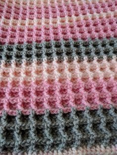 Waffle Stitch Blanket - free crochet pattern at Woolfull