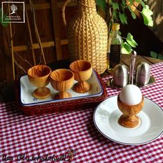 Eierbecher aus Olivenholz Holz von Olivenholzliebhaber via dawanda.com