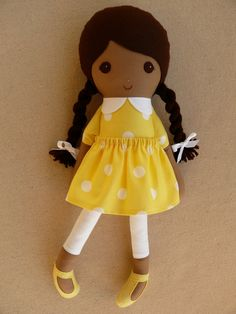 Fabric Doll Rag Doll Brown Haired Girl in Yellow Polka Dotted Dress Doll Clothes Patterns, Doll Patterns, Sewing Projects, Sewing Crafts, Fabric Dolls, Rag Dolls, Sewing Dolls, Brown Girl, Soft Dolls