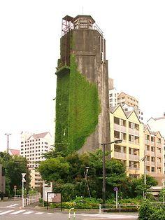 新宿ノーザンウエストの特集をしていたら、 その流れでさらに北の地区にあたる新宿の百人町の給水塔に関して コメントを頂いたので、この給水塔を...
