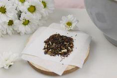 DIY - Seedbombs | Samenbomben | blühendes Konfetti selber machen Napkin Rings, Napkins, Colored Paper, Potting Soil, Baking Cookies, Confetti, Dinner Napkins, Beautiful Flowers, Towels