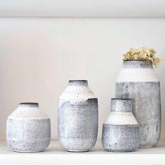 10 Grand Tips AND Tricks: Concrete Vases Floors geometric vases texture.Decorative Vases Tin Cans vases art mason jars. Wooden Vase, Ceramic Bowls, Pottery Vase, Ceramic Pottery, Grands Vases, Black Vase, Vase Shapes, Vase Centerpieces, Modern Ceramics