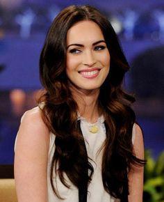 Megan Fox's Sexy Long Brunette Waves.   Nice hair style, nice sweet smile!