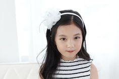 Check out this item in my Etsy shop https://www.etsy.com/listing/463318769/chiffon-flowers-headband-kids-headband