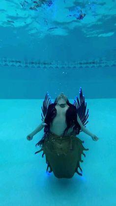 Fantasy Creatures, Mythical Creatures, Mermaid Quizzes, Mermaid Videos, Realistic Mermaid, Mermaid Stories, Silicone Mermaid Tails, Mermaid Pictures, Beautiful Fantasy Art