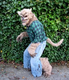 This guy made his own werewolf costume from scratch! Itu0027s amazing! I really want & Werewolf costume | halloweeny u2026 | Projectsu2026