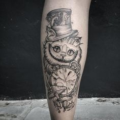 Graffiti Tattoo, Gato Alice, Alice And Wonderland Tattoos, Disney Character Drawings, Disney Sleeve, Cool Tattoos, Tatoos, Blackwork, Tatting
