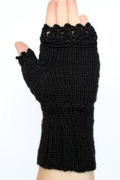 Fingerlose Handschuhe schwarz lila violett von nbGlovesAndMittens