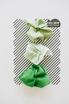 DIY Tutorial DIY Flowers / DIY No Sew Fabric Flowers - Bead&Cord