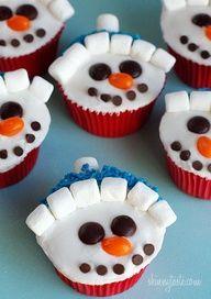 Vanilla Snowman Cupcakes with Vanilla Icing
