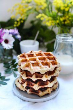 Comment faire des gaufres liégeoises : recette de Philippe Conticini   Royal Chill - blog cuisine, voyage et photographie Waffle Recipes, Sweet Recipes, Waffles, Biscuits, Brunch, Bread, Cookies, Chill, Breakfast