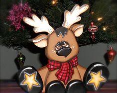Cute reindeer shelf sitter handmade woodcraft, made to order - Rentier basteln Christmas Yard, Christmas Projects, Red Christmas, Christmas Signs, Christmas Ideas, Wood Craft Patterns, Painting Patterns, Reindeer Craft, Woodland Critters