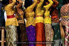 Traditional dress (Batik & Ikat Cloths), Gianyar, Bali, Indonesia