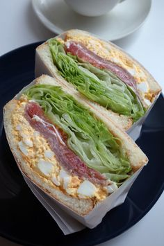 My family loves this club sandwich recipe! With layers upon layers of chicken. Good Food, Yummy Food, Think Food, Food For Thought, Food Goals, Cafe Food, Aesthetic Food, Food Cravings, Street Food