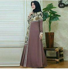 Batik Fashion, Abaya Fashion, Muslim Fashion, Outfit Essentials, Abaya Designs, Best Casual Dresses, Nice Dresses, Dress Batik Kombinasi, Abaya Mode