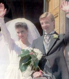 Christopher Dean married French-Canadian skater Isabelle Duchesnay in 1991 but their union was short-lived.