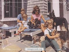 JFK Jackie O Family - Vintage eCard