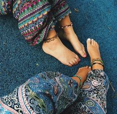 ╰☆╮Boho chic bohemian boho style hippy hippie chic bohème vibe gypsy fashion indie folk the . Hippie Style, Looks Hippie, Gypsy Style, Hippie Chic, Boho Gypsy, Bohemian Style, Boho Chic, My Style, Hippie Vibes
