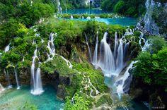 Waterfalls of Plitvice Lakes National Park, Croatia. UNESCO World Heritage ✯ ωнιмѕу ѕαη∂у