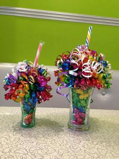 Rainbow mini and full sized candy bouquet/sundaes. Candy Arrangements, Candy Centerpieces, Quinceanera Centerpieces, Wedding Centerpieces, Candy Boquets, Candy Bouquet Diy, Craft Gifts, Diy Gifts, Candy Gift Baskets