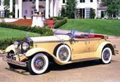 Ready to ride out into town in my Rolls Royce Phantom 1930 , Hopefully Daisy notices me in this car - Jay Gatsby