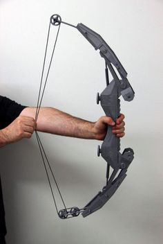 Hero Complex Props 3D Prints an Amazing Compound Bow from the 'Thief' Video Game Series http://3dprint.com/74605/thief-video-game-bow-3d-print/ #3dprinting