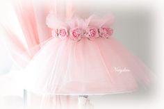 Nouvelle création abat jour en lin et tulle rose avec couronne de roses NATYDECO Bientôt En vente sur http://www.natydecocorse.com/