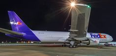 Fedex Jet Taking Off Memphis TN Airport - Airports | Pinterest - Memphis, Luchthavens en Straaljagers