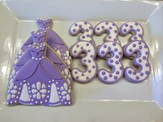 Sofia the first cookies - one dozen  Please contact me prior to ordering to ensure availability.  ***PAYMENT SECURES YOUR ORDER - I WILL NO