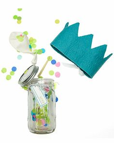 How fun!  A birthday party in a jar!