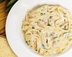 Tagliatelle au poulet-citron : http://www.cuisineaz.com/recettes/tagliatelle-au-poulet-citron-43892.aspx
