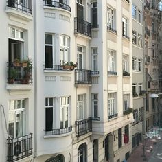Discovered by -. Find images and videos about travel, city and buildings on We Heart It - the app to get lost in what you love. Labo Photo, Interior Exterior, Palaces, View Photos, Perfect Place, Places To Go, Beautiful Places, Around The Worlds, France