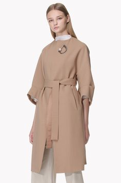 Brooch point open front belted coat