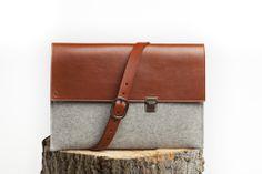 Le Sac Classique with strap Macbook Bag, Bradley Mountain, Messenger Bag, Satchel, Backpacks, Leather, Joseph, Accessories, Collection