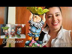 TÉCNICA DE TRASLUCIDOS Y PATINA, Pintando un duende en yeso - YouTube Clay Wall Art, Diy And Crafts, Lily, Ceramics, Drawings, Painting, Plastering, Baby Dolls, Craft Videos